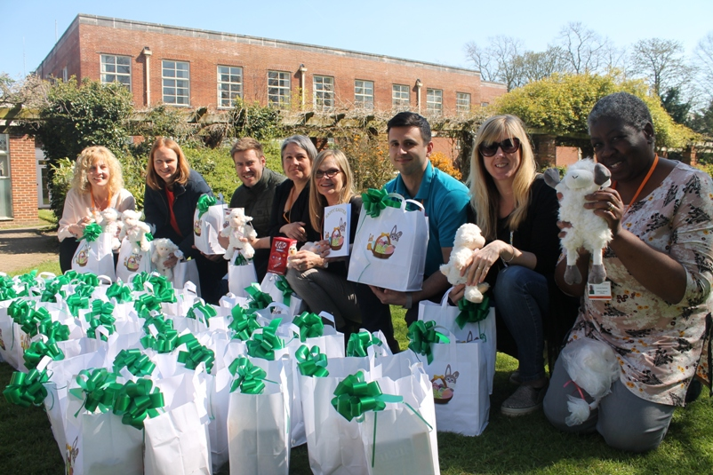 Public Health team prepare to give Easter gifts to isolated residents thanks to Intel